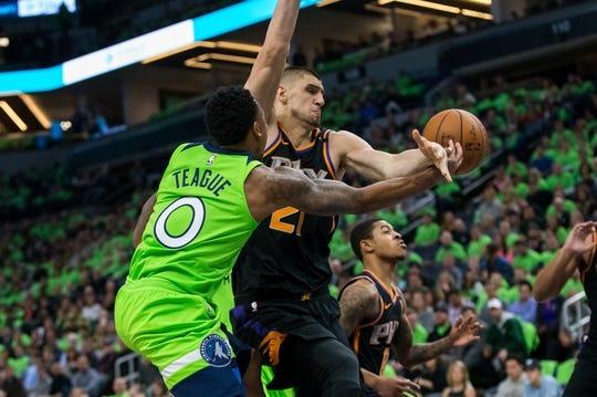 Dec 16, 2017; Minneapolis, MN, USA; Minnesota Timberwolves guard Jeff Teague (0) passes in the second quarter against the Phoenix Suns center Alex Len (21) at Target Center. Mandatory Credit: Brad Rempel-USA TODAY Sports
