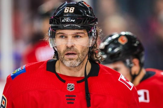 Dec 31, 2017; Calgary, Alberta, CAN; Calgary Flames right wing Jaromir Jagr (68) during the warmup period against the Chicago Blackhawks at Scotiabank Saddledome. Mandatory Credit: Sergei Belski-USA TODAY Sports
