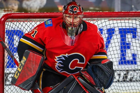 Dec 31, 2017; Calgary, Alberta, CAN; Calgary Flames goaltender Mike Smith (41) guards his net during the warmup period against the Chicago Blackhawks at Scotiabank Saddledome. Mandatory Credit: Sergei Belski-USA TODAY Sports
