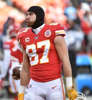 Jan 6, 2018; Kansas City, MO, USA; Kansas City Chiefs tight end Travis Kelce (87) warms up before the game against the Tennessee Titans in the AFC Wild Card playoff football game at Arrowhead stadium. Mandatory Credit: Denny Medley-USA TODAY Sports