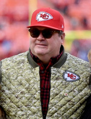 Jan 6, 2018; Kansas City, MO, USA; American actor Eric Stonestreet poses for photos on the sidelines before the game between the Kansas City Chiefs and the Tennessee Titans in the AFC Wild Card playoff football game at Arrowhead stadium. Mandatory Credit: Denny Medley-USA TODAY Sports