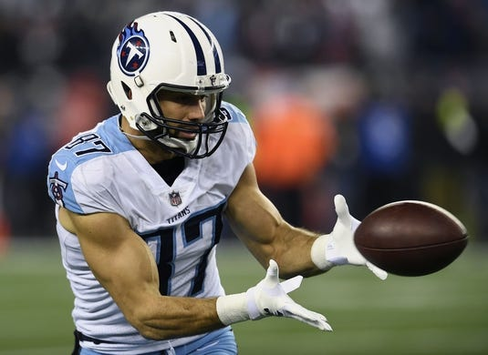 Jan 13, 2018; Foxborough, MA, USA; Tennessee Titans wide receiver Eric Decker (87) makes a catch during warmups before the AFC Divisional Playoff game against the New England Patriots at Gillette Stadium. Mandatory Credit: George Walker IV /The Tennessean via USA TODAY NETWORK