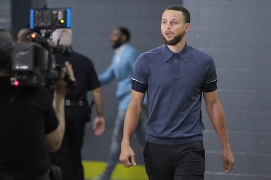 May 14, 2018; Houston, TX, USA; Golden State Warriors guard Stephen Curry (30) walks in to Toyota Center before game one of the Western conference finals of the 2018 NBA Playoffs between the Houston Rockets and the Golden State Warriors. Mandatory Credit: Erik Williams-USA TODAY Sports