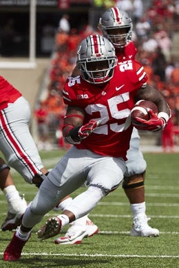 Sep 1, 2018; Columbus, OH, USA; Ohio State Buckeyes running back Mike Weber (25) runs the ball against the Oregon State Beavers in the first half at Ohio Stadium. Mandatory Credit: Rick Osentoski-USA TODAY Sports
