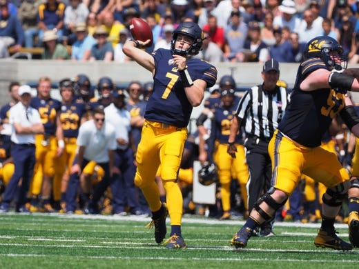 Sep 1, 2018; Berkeley, CA, USA; California Golden Bears quarterback Chase Garbers (7) throws the ball against the North Carolina Tar Heels during the first quarter at California Memorial Stadium. Mandatory Credit: Kelley L Cox-USA TODAY Sports