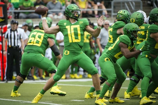 Sep 8, 2018; Eugene, OR, USA; Oregon Ducks quarterback Justin Herbert (10) throws a pass during the first half against the Portland State Vikings at Autzen Stadium. Mandatory Credit: Troy Wayrynen-USA TODAY Sports