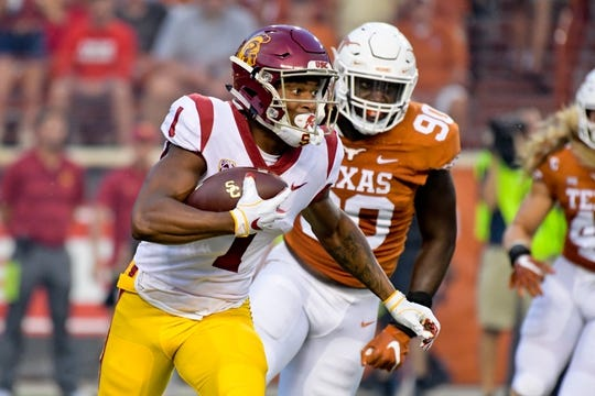 Sep 15, 2018; Austin, TX, USA; Southern California Trojans wide receiver Velus Jones Jr. (1) rushes against the Texas Longhorns during the first half at Darrell K Royal-Texas Memorial Stadium. Mandatory Credit: Kirby Lee-USA TODAY Sports