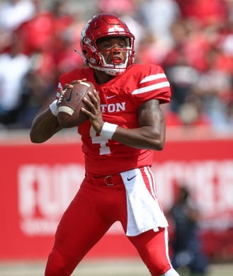 Sep 8, 2018; Houston, TX, USA; Houston Cougars quarterback D'Eriq King (4) in action during the game against the Arizona Wildcats at TDECU Stadium. Mandatory Credit: Troy Taormina-USA TODAY Sports