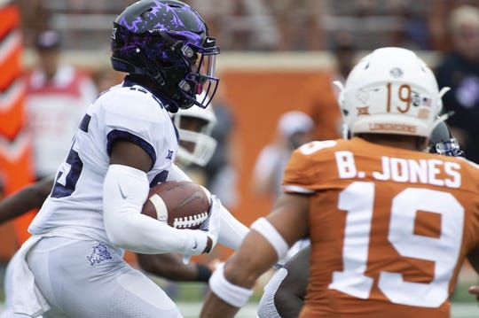 Sep 22, 2018; Austin, TX, USA; Texas Christian Horned Frogs wide receiver Kavontae Turpin (25) returns a kick during during the first quarter against Texas at Darrell K Royal-Texas Memorial Stadium. Mandatory Credit: Bethany Hocker-USA TODAY Sports