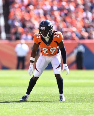 Sep 16, 2018; Denver, CO, USA; Denver Broncos linebacker Brandon Marshall (54) during the first quarter against the Oakland Raiders at Broncos Stadium at Mile High. Mandatory Credit: Ron Chenoy-USA TODAY Sports