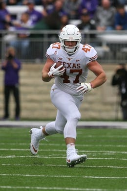 Sep 29, 2018; Manhattan, KS, USA; Texas Longhorns tight end Andrew Beck (47) carries the ball during the first quarter against the Kansas State Wildcats at Bill Snyder Family Stadium. Mandatory Credit: Scott Sewell-USA TODAY Sports