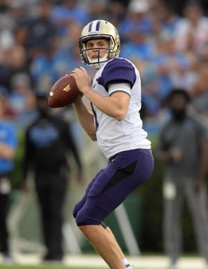 Oct 6, 2018; Pasadena, CA, USA; Washington Huskies quarterback Jake Browning (3) throws a pass in the first half against the UCLA Bruins at Rose Bowl. Mandatory Credit: Kirby Lee-USA TODAY Sports