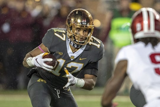 Oct 26, 2018; Minneapolis, MN, USA; Minnesota Golden Gophers wide receiver Seth Green (17) rushes with the ball in the first quarter against the Indiana Hoosiers at TCF Bank Stadium. Mandatory Credit: Jesse Johnson-USA TODAY Sports