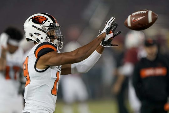 Nov 10, 2018; Stanford, CA, USA; Oregon State Beavers wide receiver Aaron Short (19) warms up before the game against the Stanford Cardinal at Stanford Stadium. Mandatory Credit: Stan Szeto-USA TODAY Sports