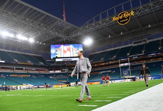 Dec 29, 2018; Miami Gardens, FL, USA; Oklahoma Sooners head coach Lincoln Riley walks the field prior to the 2018 Orange Bowl college football playoff semifinal game at Hard Rock Stadium. Mandatory Credit: Jasen Vinlove-USA TODAY Sports
