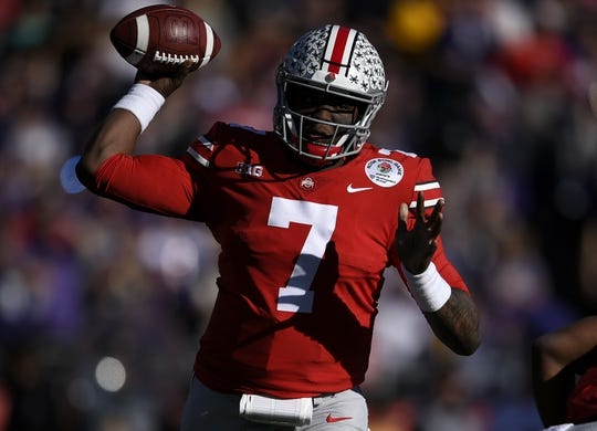 Jan 1, 2019; Pasadena, CA, USA; Ohio State Buckeyes quarterback Dwayne Haskins (7) makes a pass in the first quarter against the Washington Huskies in the 2019 Rose Bowl at Rose Bowl Stadium. Mandatory Credit: Kelvin Kuo-USA TODAY Sports