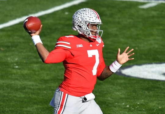 Jan 1, 2019; Pasadena, CA, USA; Ohio State Buckeyes quarterback Dwayne Haskins (7) throws a pass for a touchdown against the Washington Huskies in the first quarter in the 2019 Rose Bowl at Rose Bowl Stadium. Mandatory Credit: Robert Hanashiro-USA TODAY Sports