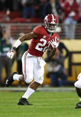Jan 7, 2019; Santa Clara, CA, USA; Alabama Crimson Tide running back Najee Harris (22) runs with the ball against the Clemson Tigers during the 2019 College Football Playoff Championship game at Levi's Stadium. Mandatory Credit: Matthew Emmons-USA TODAY Sports