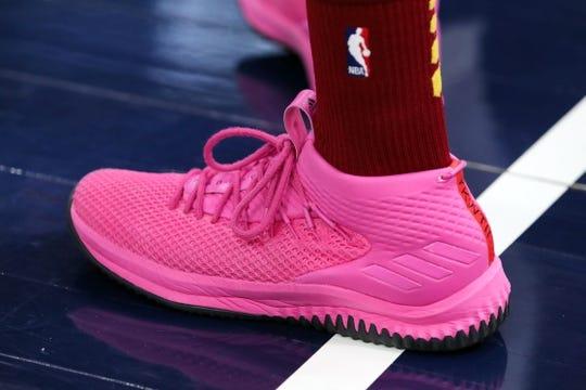 Jan 18, 2019; Salt Lake City, UT, USA; Cleveland Cavaliers guard Alec Burks (10) shoes before the game against the Utah Jazz at Vivint Smart Home Arena. Utah won 115-99. Mandatory Credit: Chris Nicoll-USA TODAY Sports