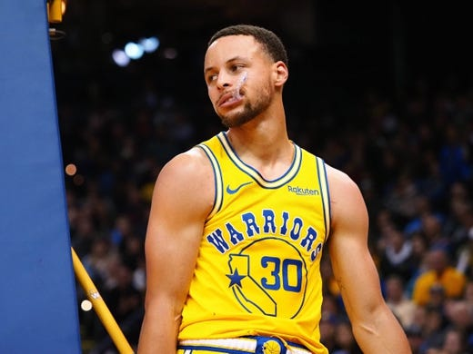 Mar 10, 2019; Oakland, CA, USA; Golden State Warriors guard Stephen Curry (30) reacts after a play against the Phoenix Suns during the fourth quarter at Oracle Arena. Mandatory Credit: Kelley L Cox-USA TODAY Sports