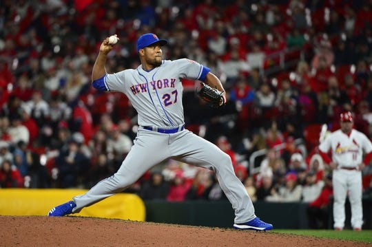 Apr 19, 2019; St. Louis, MO, USA; New York Mets relief pitcher Jeurys Familia (27) pitches during the seventh inning against the St. Louis Cardinals at Busch Stadium. Mandatory Credit: Jeff Curry-USA TODAY Sports