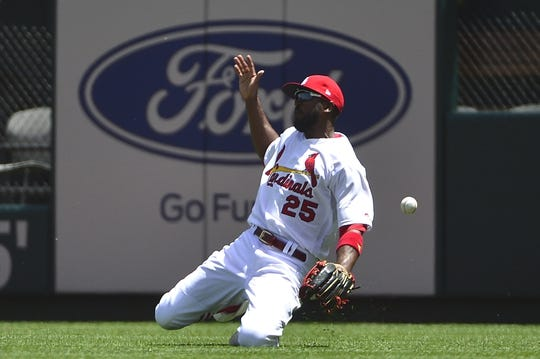 May 22, 2019; St. Louis, MO, USA; St. Louis Cardinals right fielder Dexter Fowler (25) makes an error on a single hit by Kansas City Royals left fielder Alex Gordon (not pictured) during the second inning at Busch Stadium. Mandatory Credit: Jeff Curry-USA TODAY Sports