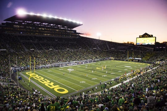 Oct 5, 2019; Eugene, OR, USA; Oregon Ducks advance the ball against the California Golden Bears during the second half at Autzen Stadium. Oregon won the game 17-7. Mandatory Credit: Troy Wayrynen-USA TODAY Sports