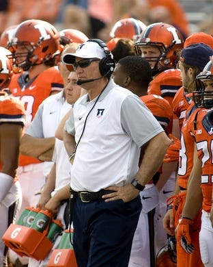 Sep 5, 2015; Champaign, IL, USA; Illinois Fighting Illini head coach Bill Cubit in action at Memorial Stadium. Illinois beat Kent State 52-3.  Mandatory Credit: Mike Granse-USA TODAY Sports
