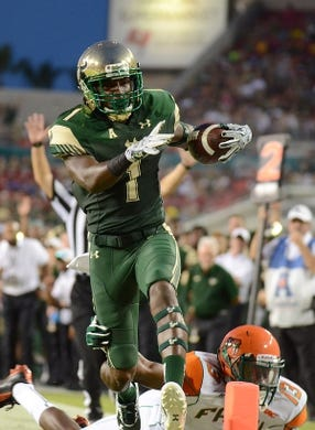 Sep 5, 2015; Tampa, FL, USA;South Florida Bulls wide receiver Chris Barr (1) runs  the ball during the  half against the Florida A & M Rattlers at Raymond James Stadium. Mandatory Credit: Jonathan Dyer-USA TODAY Sports