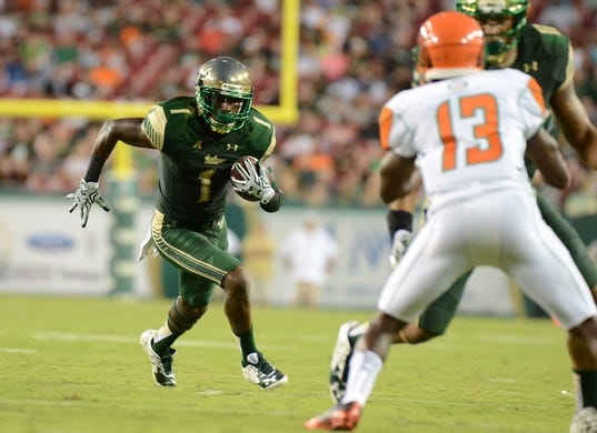 Sep 5, 2015; Tampa, FL, USA; South Florida Bulls wide receiver Chris Barr (1) runs with the ball during the  half against the Florida A & M Rattlers at Raymond James Stadium. Mandatory Credit: Jonathan Dyer-USA TODAY Sports
