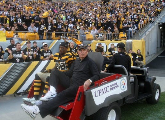 Nov 1, 2015; Pittsburgh, PA, USA; Pittsburgh Steelers running back Le'Veon Bell (26) is carted off of the field after being injured against the Cincinnati Bengals during the first half at Heinz Field. Mandatory Credit: Jason Bridge-USA TODAY Sports