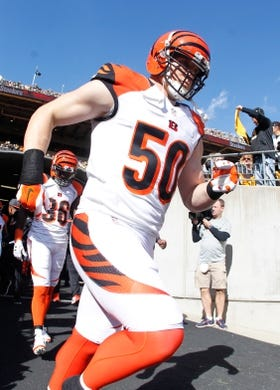 Nov 1, 2015; Pittsburgh, PA, USA; Cincinnati Bengals outside linebacker A.J. Hawk (50) takes the field against the Pittsburgh Steelers at Heinz Field. The Bengals won 16-10. Mandatory Credit: Charles LeClaire-USA TODAY Sports