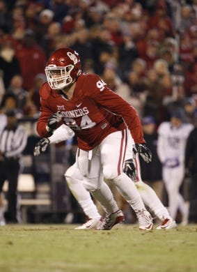 Nov 21, 2015; Norman, OK, USA; Oklahoma Sooners defensive end Matt Dimon (94) during the game against the TCU Horned Frogs at Gaylord Family - Oklahoma Memorial Stadium. Mandatory Credit: Kevin Jairaj-USA TODAY Sports