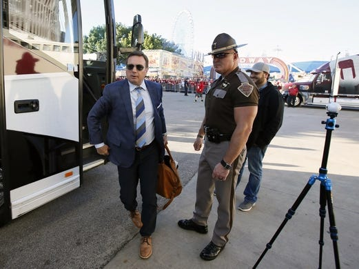 Oct 8, 2016; Dallas, TX, USA;  Oklahoma Sooners head coach Bob Stoops steps off the team bus before the game against the Texas Longhorns at Cotton Bowl. Mandatory Credit: Tim Heitman-USA TODAY Sports