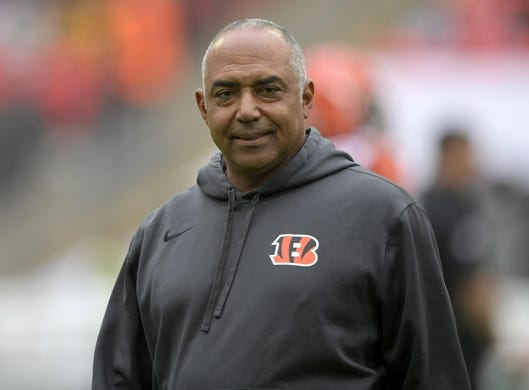 Oct 30, 2016; London, United Kingdom;Cincinnati Bengals coach Marvin Lewis during game 17 of the NFL International Series against the Washington Redskins at Wembley Stadium. Mandatory Credit: Kirby Lee-USA TODAY Sports