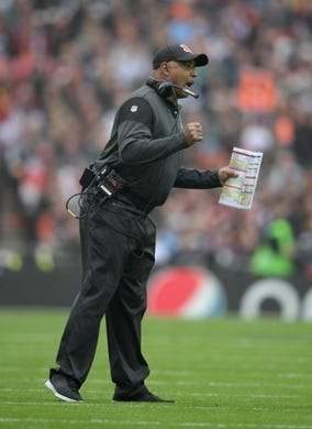 Oct 30, 2016; London, United Kingdom; Cincinnati Bengals coach Marvin Lewis reacts against the Washington Redskins during game 17 of the NFL International Series at Wembley Stadium. Mandatory Credit: Kirby Lee-USA TODAY Sports
