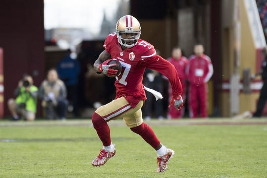 January 1, 2017; Santa Clara, CA, USA; San Francisco 49ers wide receiver Jeremy Kerley (17) runs with the football against the Seattle Seahawks during the first quarter at Levi's Stadium. Mandatory Credit: Kyle Terada-USA TODAY Sports