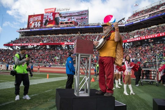 January 1, 2017; Santa Clara, CA, USA; San Francisco 49ers banjo man Stacy Samuels before the game against the Seattle Seahawks at Levi's Stadium. The Seahawks defeated the 49ers 25-23. Mandatory Credit: Kyle Terada-USA TODAY Sports