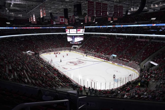 Carolina Hurricanes vs Columbus Blue Jackets NHL Picks, Odds, Predictions 5/1/21