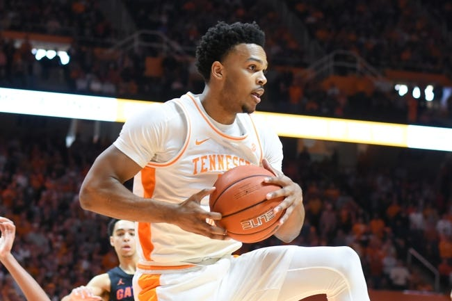 Tennessee at Florida: 1/19/21 College Basketball Picks and Prediction