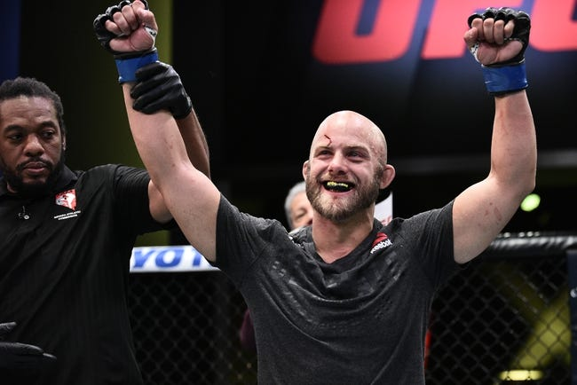 UFC Vegas 18: Justin Jaynes vs. Devonte Smith Picks, Odds and Predictions