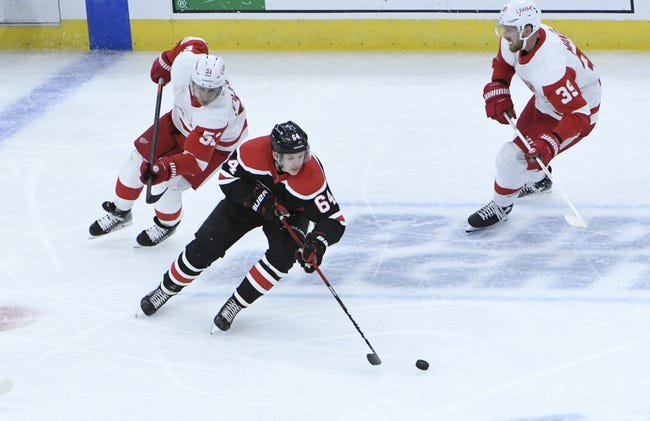 Chicago Blackhawks at Detroit Red Wings - 4/15/21 NHL Picks and Prediction