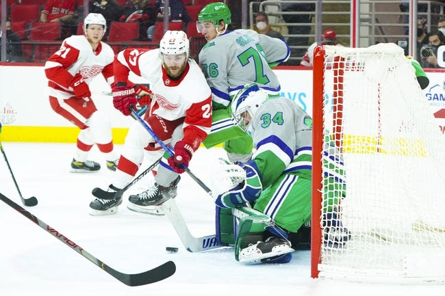 Detroit Red Wings at Carolina Hurricanes - 4/12/21 NHL Picks and Prediction