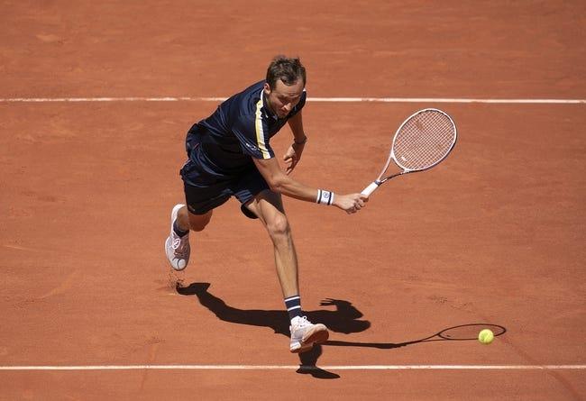 Daniil Medvedev vs Stefanos Tsitsipas French Open Tennis Picks and Predictions 6/8/21